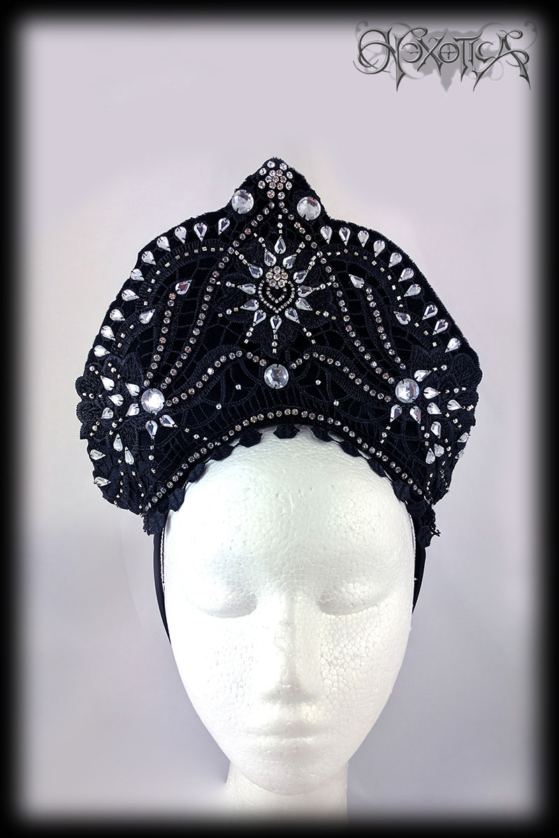 An Art Deco Inspired Black & Silver Burlesque Headdress by Hexotica